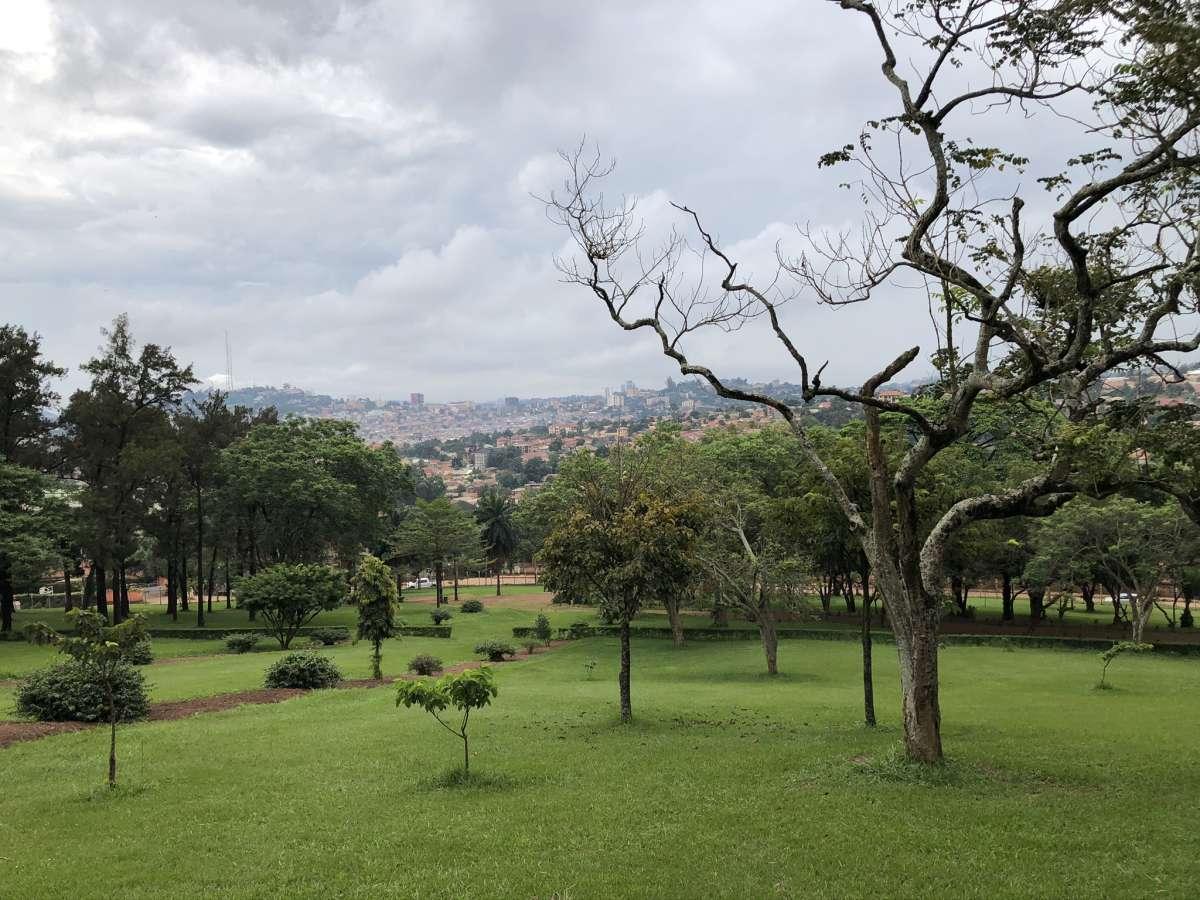 Park am Bahai Tempel in Kampala