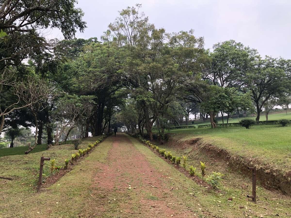 Weg zum Bahai Tempel Kampala