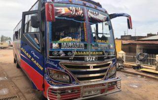 Isuzu Reisebus in Kampala