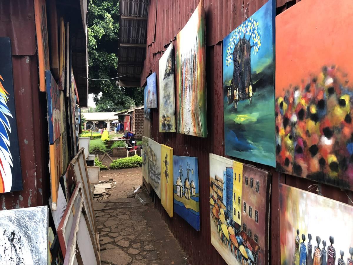 Kunstmarkt am Nationaltheater Kampala