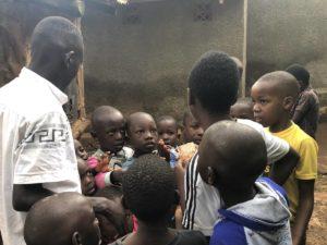 Kinder in Kazo Kawempe Division Life in Kampala