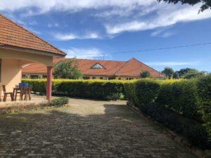 Peniel Beach Hotel Entebbe Außenbereich